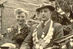1953/54 Königspaar Hans Henkenbehrens und Maria Buschermöhle